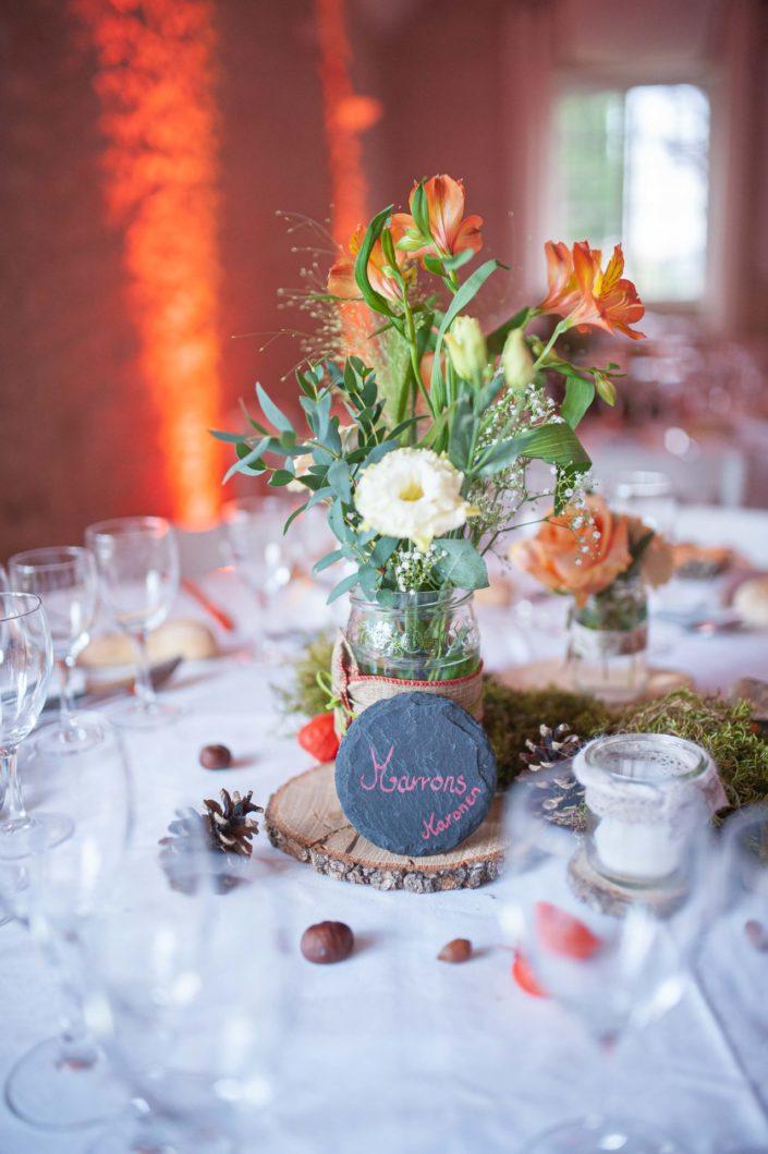 Décoration automnale de la table des mariés
