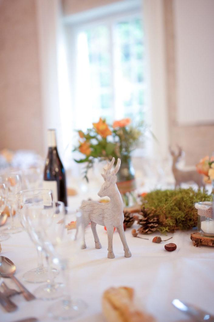 Décorer la table des mariés en automne